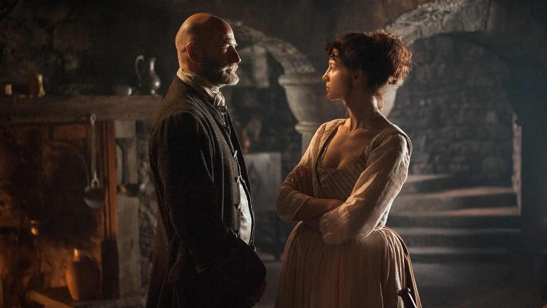 Outlander: Graham McTavish e Caitriona Balfe nell'episodio The Way Out