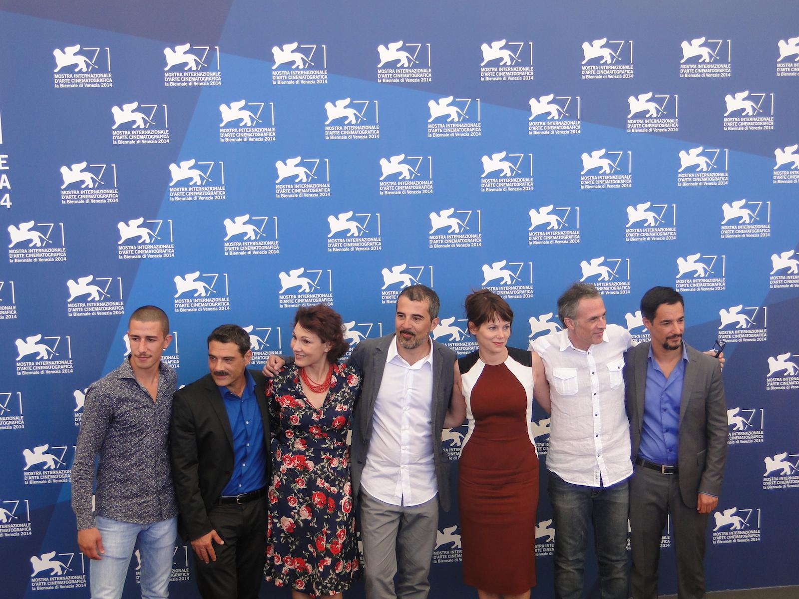 Venezia 2014: foto di gruppo per il cast di Anime nere al photocall