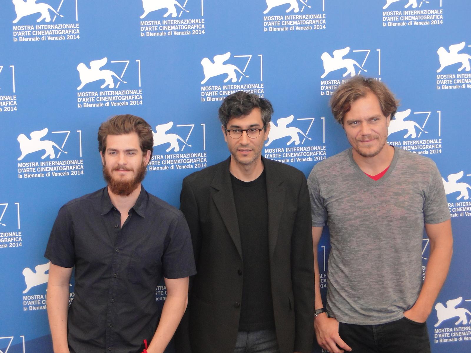 Venezia 2014: Andrew Garfield e Michael Shannon con Ramin Bahrani al photocall di 99 Homes