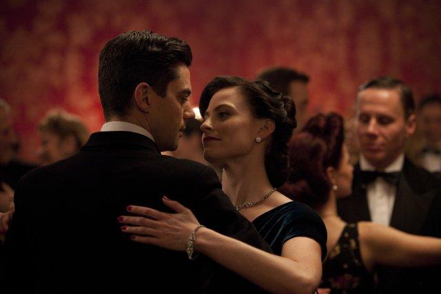 Fleming - Essere James Bond: Laura Pulver e Dominic Cooper nella mini serie