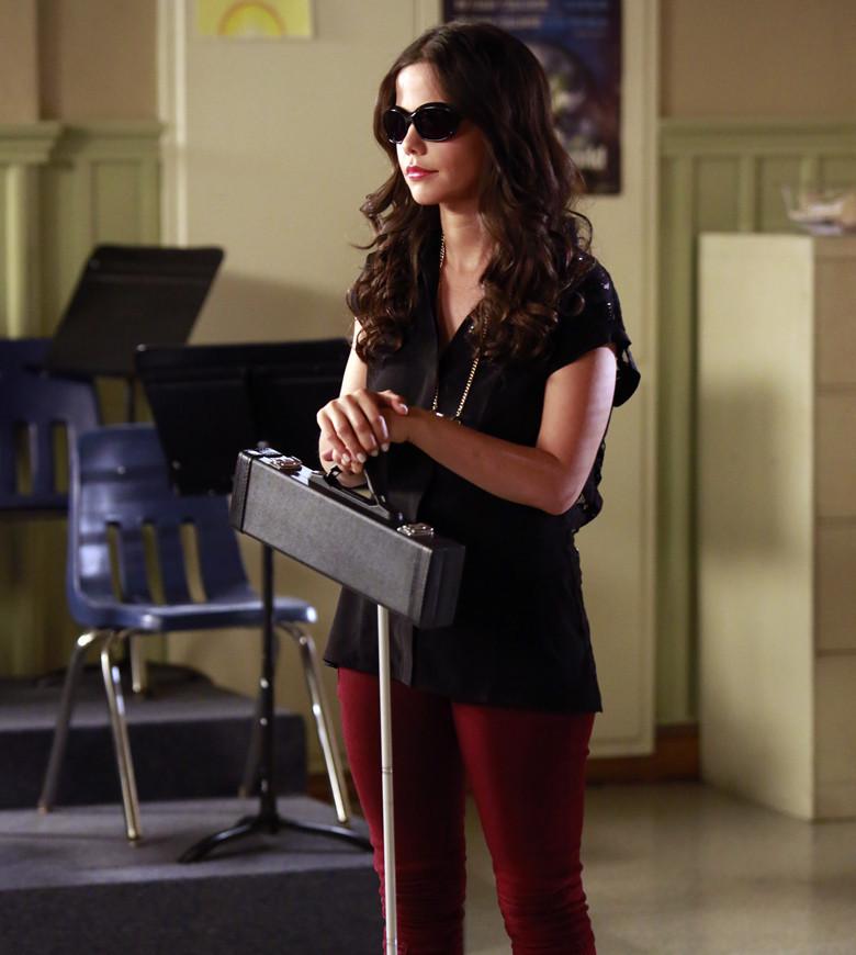 Pretty Little Liars: un'immagine di Tammin Sursok nell'episodio March of Crimes