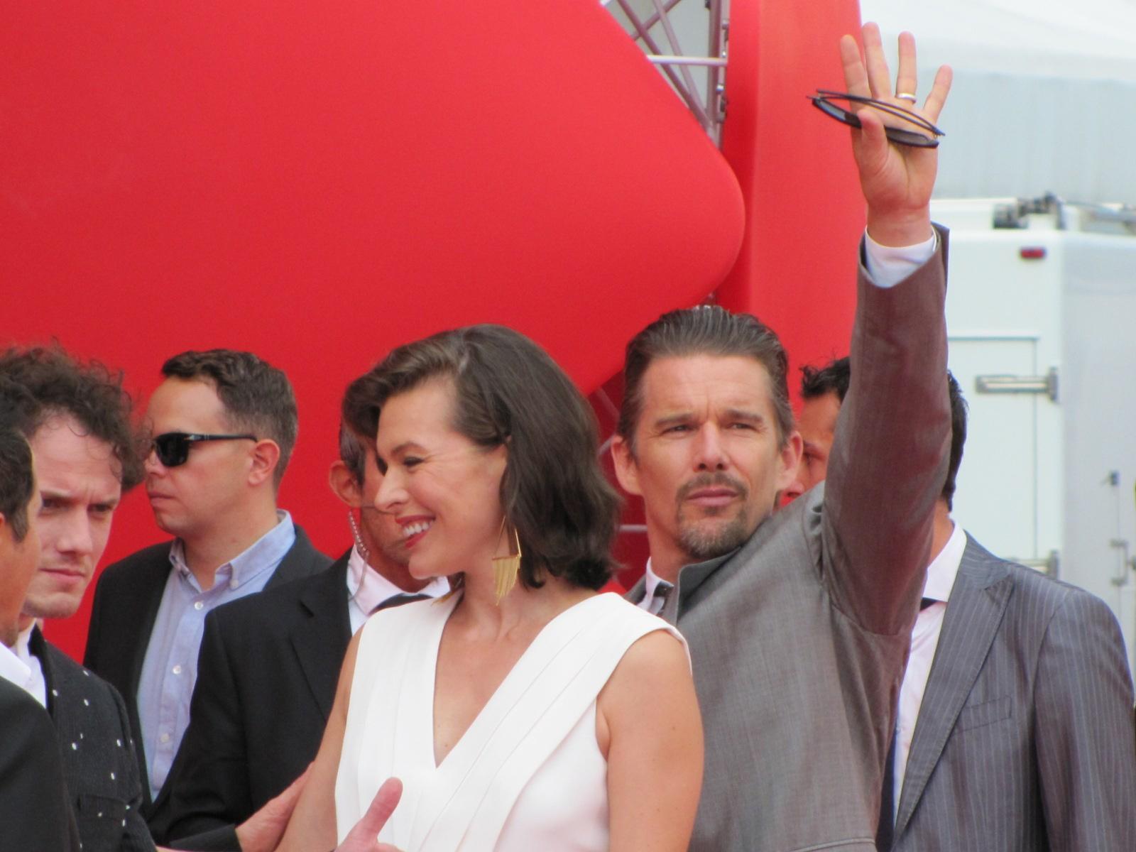 Mostra del Cinema di Venezia 2014, Ethan Hawke e Milla Jovovich sul red carpet di Cymbeline