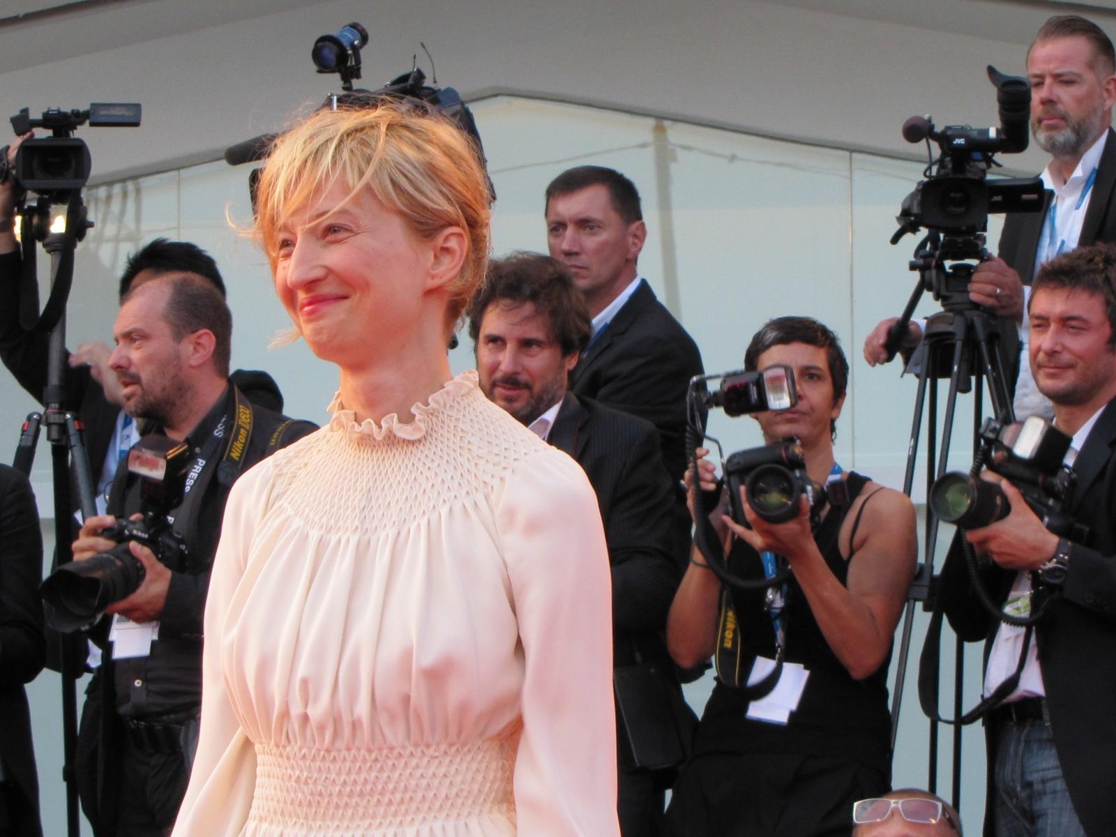 Venezia 2014, Alba Rohrwacher sul red carpet della serata finale