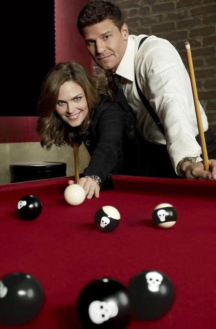 Bones: David Boreanaz e Emily Deschanel in un'immagine promozionale della decima stagione
