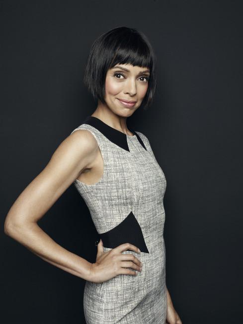 Bones: Tamara Taylor in un'immagine promozionale della decima stagione