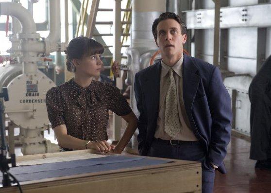 Manhattan: Katja Herbers e Ashley Zukerman nell'episodio  Acceptable Limits