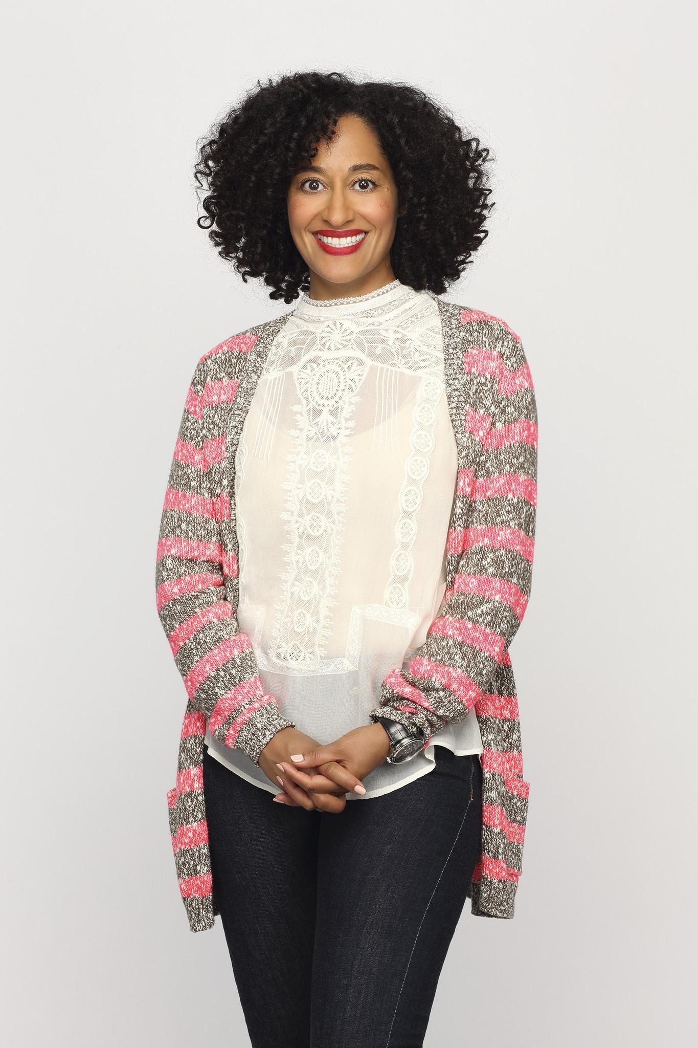 Black-ish: Tracee Ellis Ross in un'immagine promozionale della serie