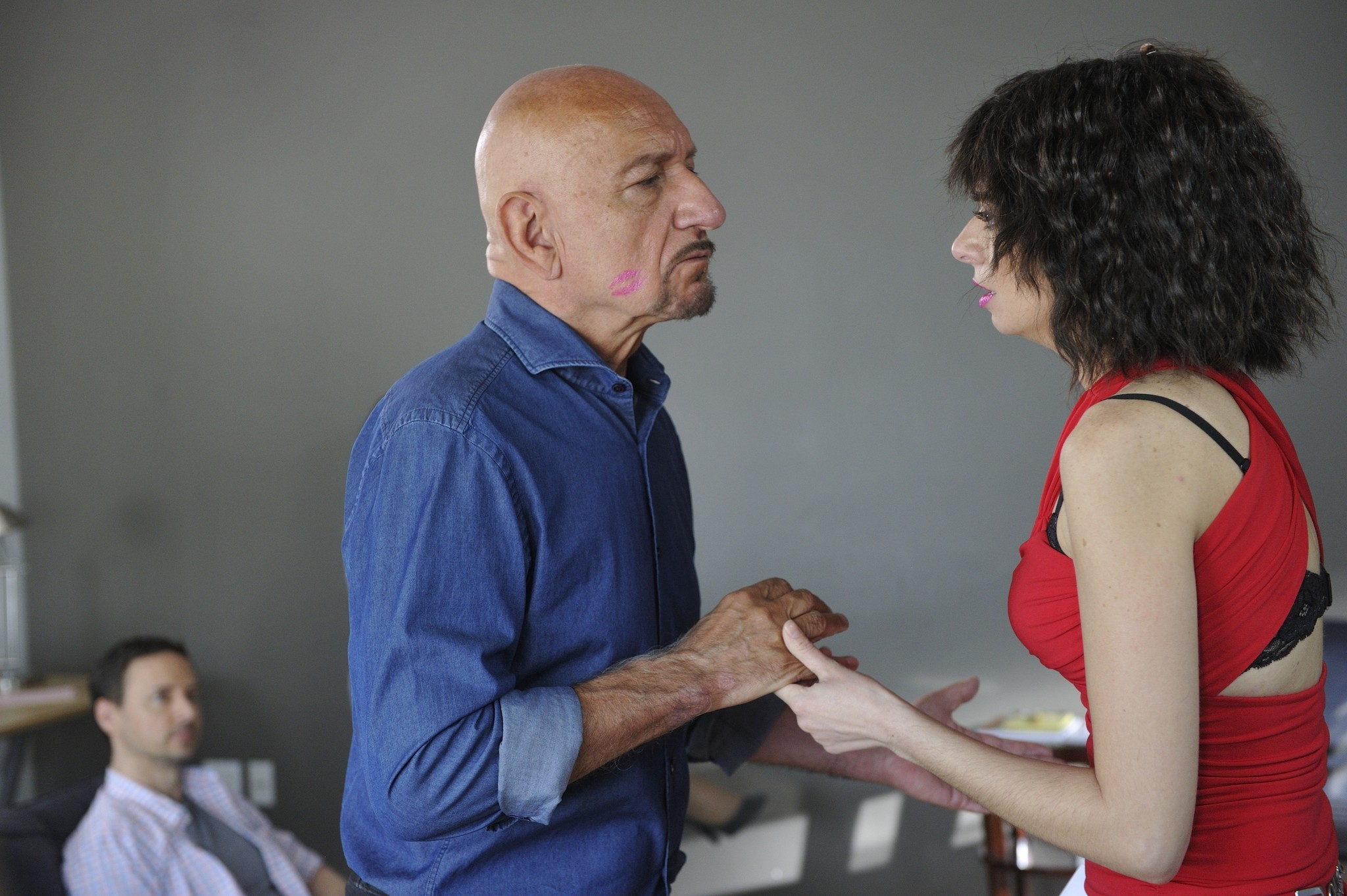 Garfunkel and Oates: Ben Kingsley e Kate Micucci nell'episodio The Fadeaway