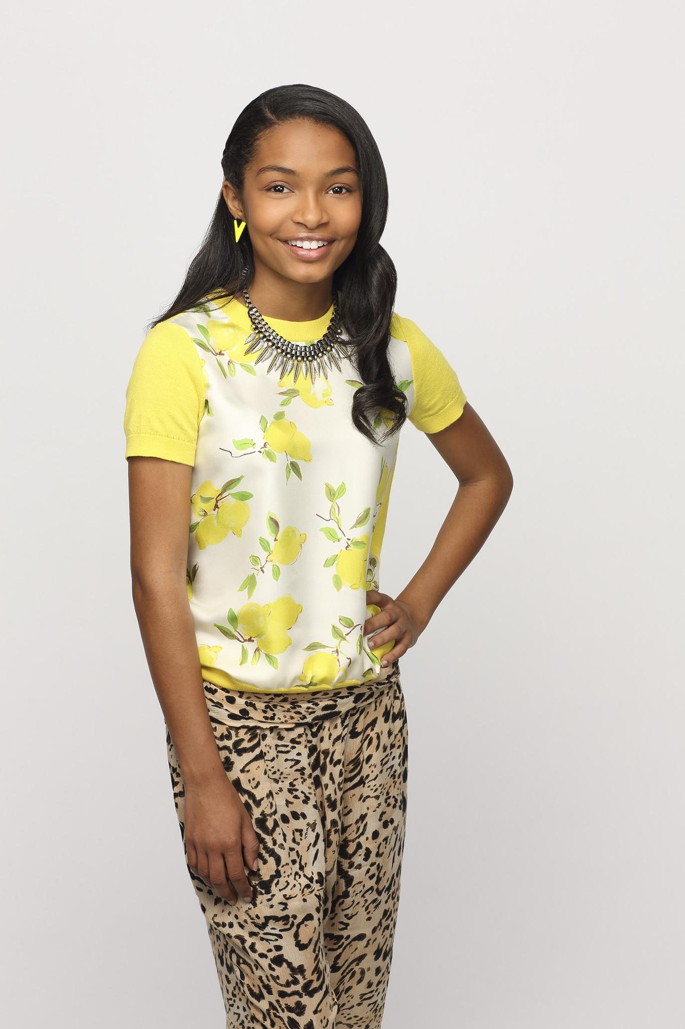 Black-ish: Yara Shahidi in un'immagine promozionale della serie