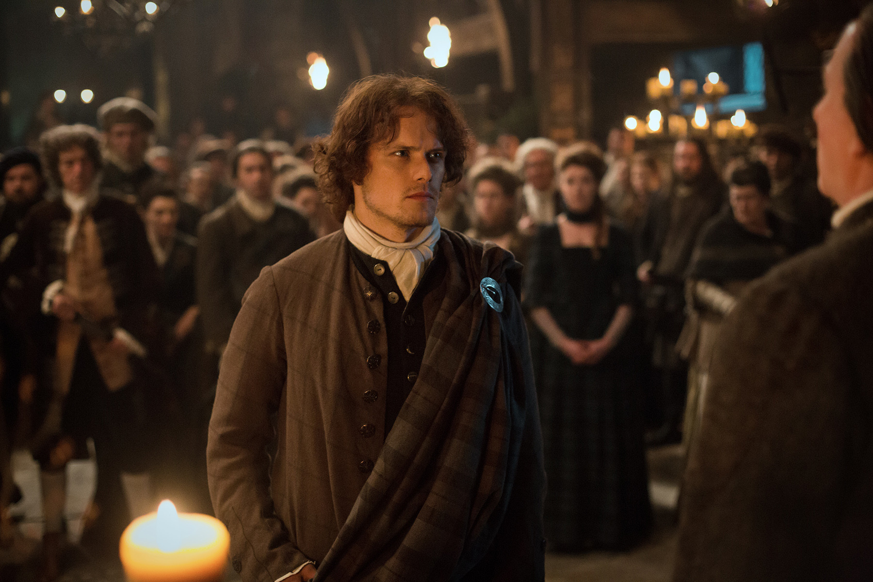 Outlander: Sam Heughan nell'episodio The Gathering