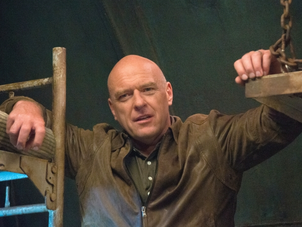 Under the Dome: Dean Norris nell'episodio The Fall