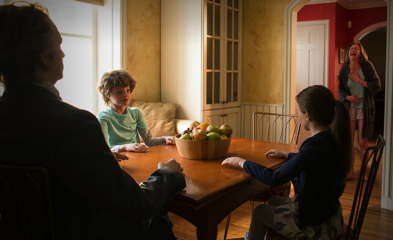 The Leftovers: una sequenza dell'episodio The Prodigal Son Returns