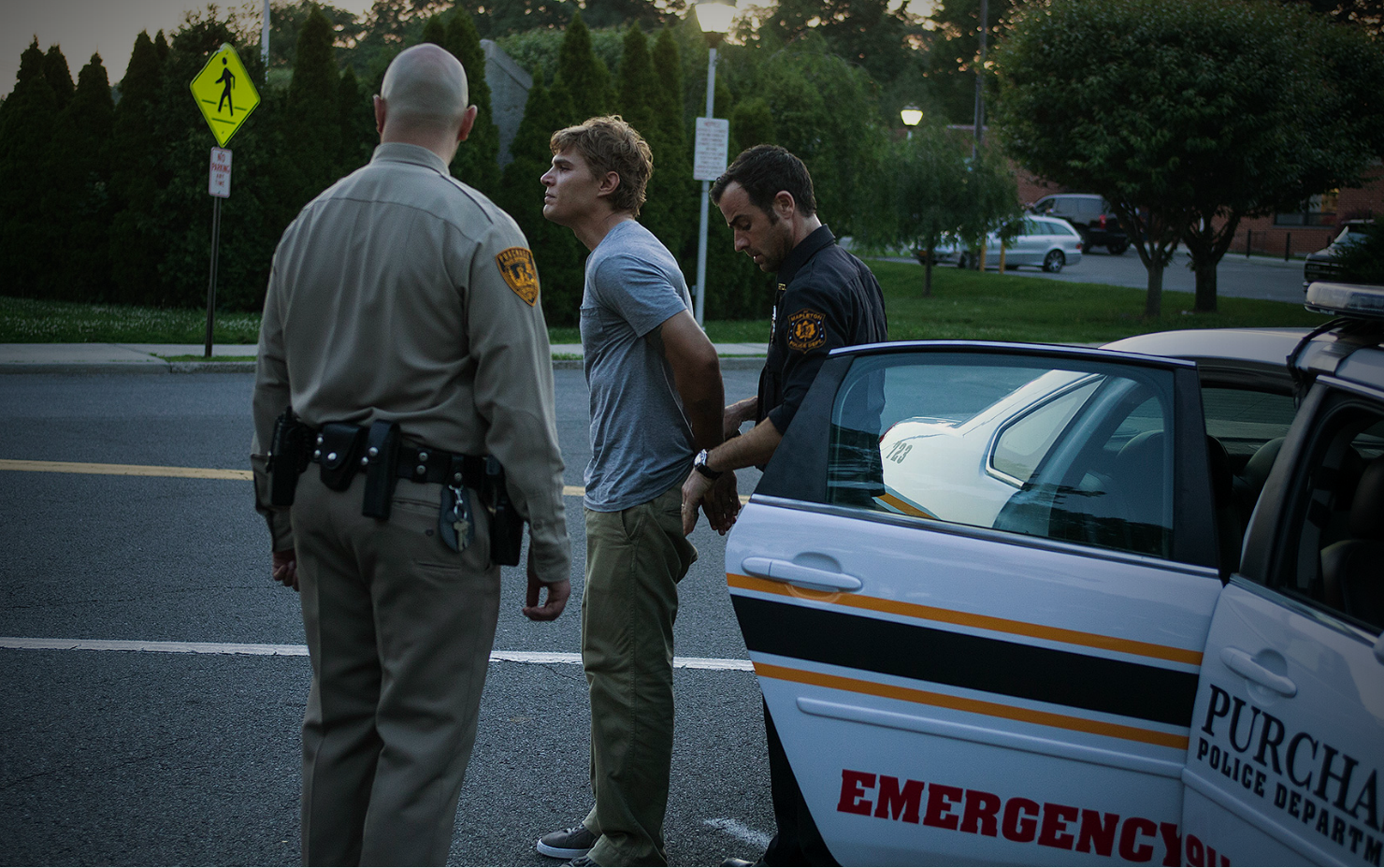 The Leftovers: Justin Theroux in una scena dell'episodio The Garveys at Their Best