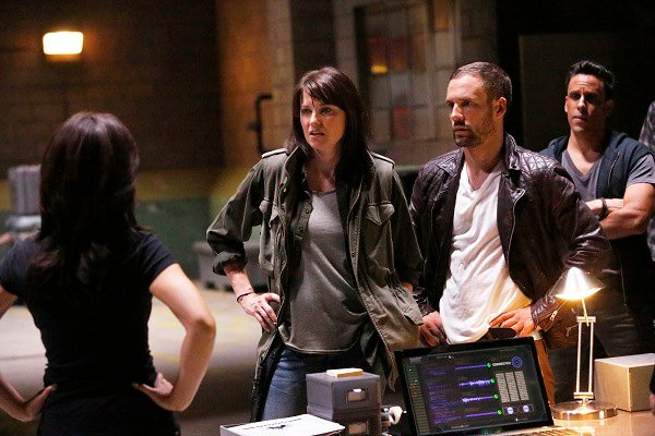 Agents of S.H.I.E.L.D.: una scena con Lucy Lawless nell'episodio Shadows