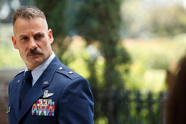 Agents of S.H.I.E.L.D.: un'immagine di Adrian Pasdar nell'episodio Shadows