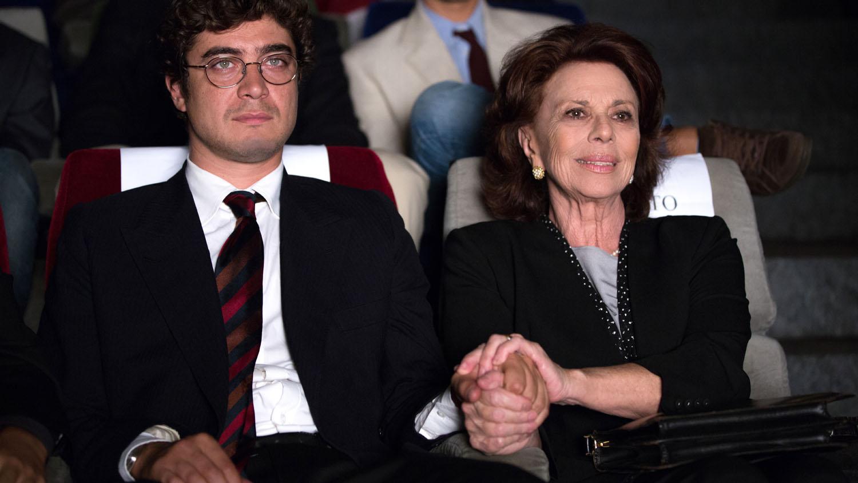 Un ragazzo d'oro: Riccardo Scamarcio con Giovanna Ralli in una scena del film