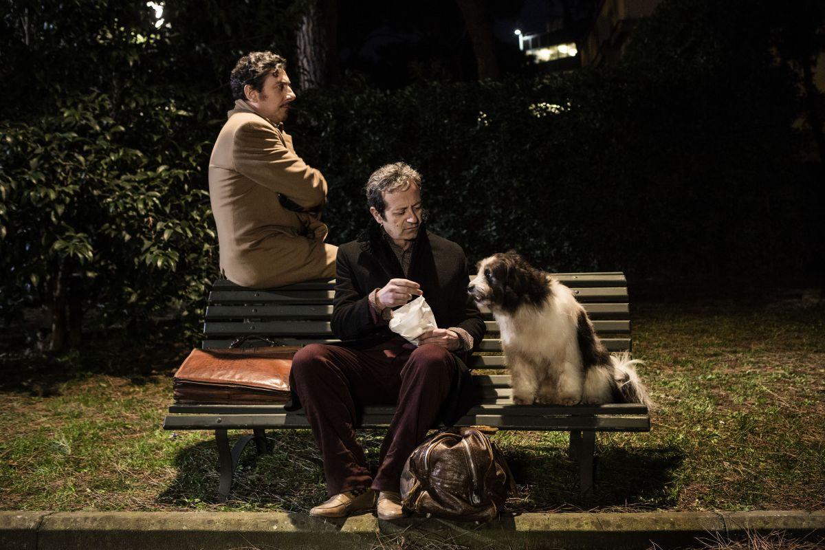 La buca: Sergio Castellitto con Rocco Papaleo in una scena del film