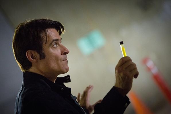 Extant: Goran Visnjic in una scena dell'episodio A New World