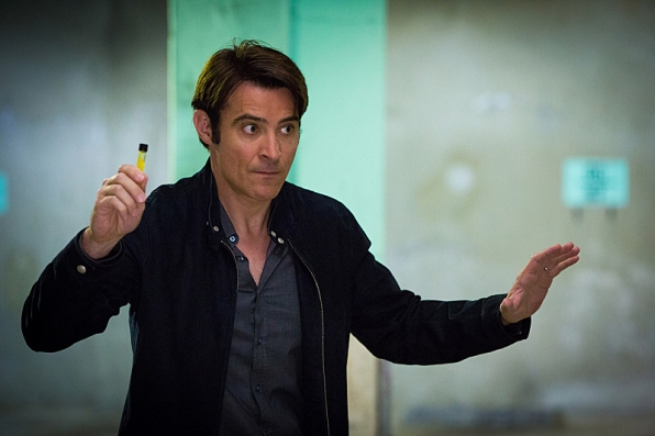 Extant: Goran Visnjic nell'episodio A New World