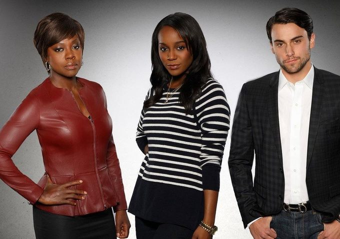How to Get Away With Murder: Aja Naomi King, Viola Davis e Jack Falahee in un'immagine promozionale