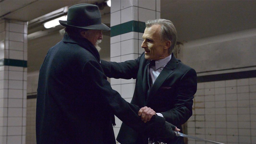 The Strain: David Bradley e Richard Sammel nell'episodio For Services Rendered