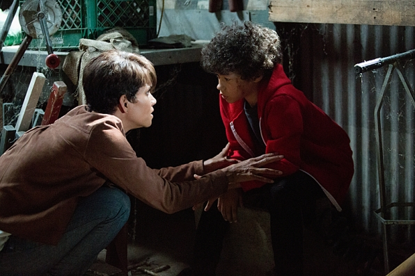 Extant: Halle Berry nell'episodio Before the Blood