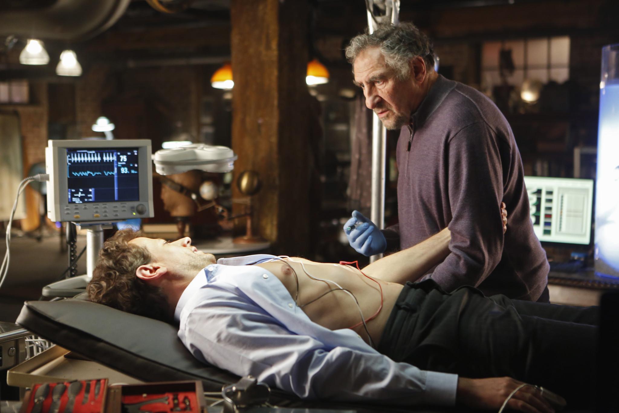 Forever: Ioan Gruffudd e Judd Hirsch nella premiere della serie