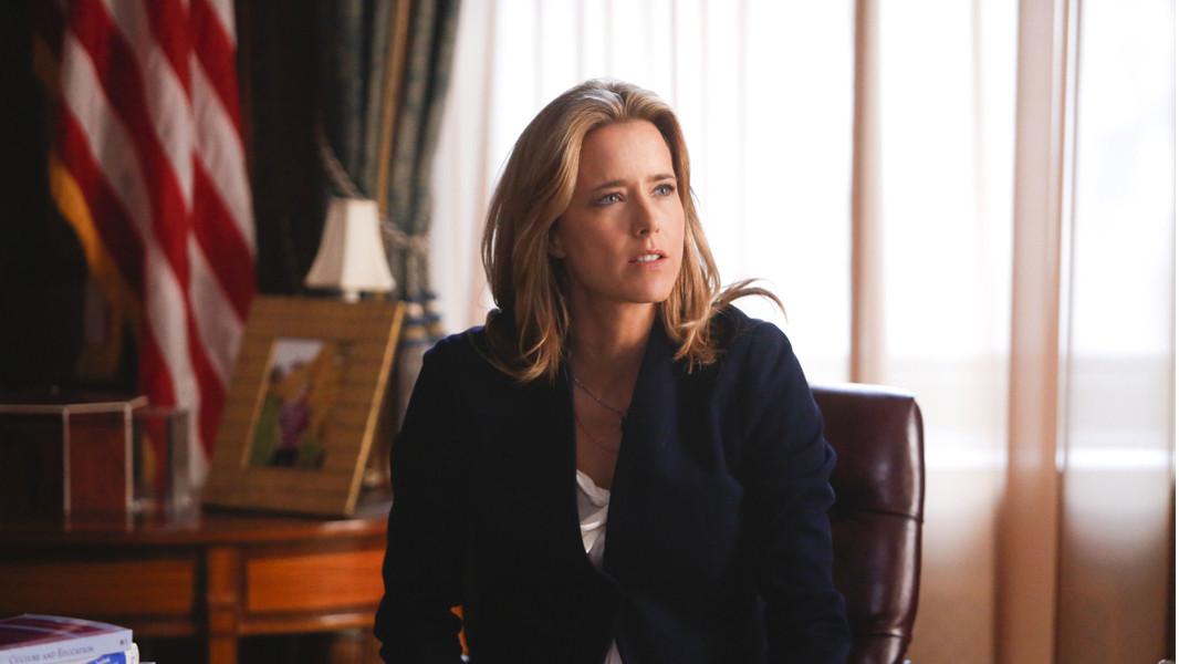 Madam Secretary: un'immagine di Tea Leoni in una scena della premiere della serie