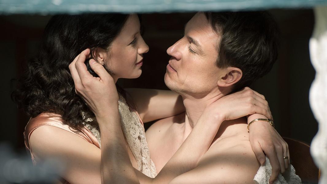 Outlander: Caitriona Balfe e Tobias Menzies nell'episodio The Garrison Commander