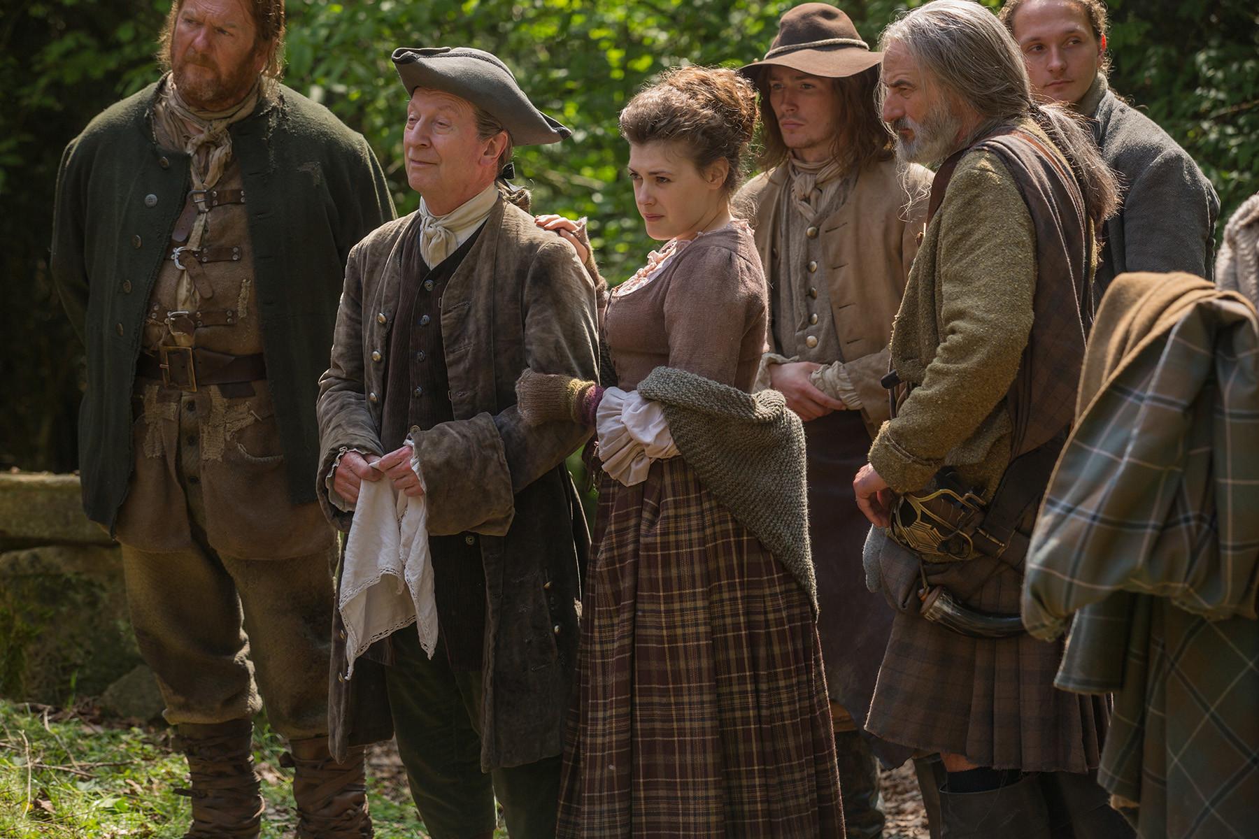 Outlander: una scena dell'episodio The Wedding