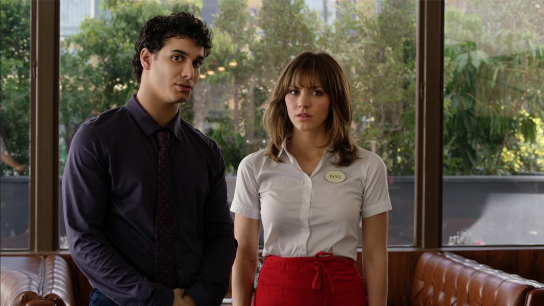 Scorpion: Katharine McPhee e Elyes Gabel in una scena della premiere della serie