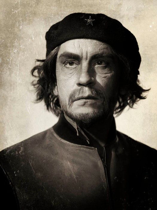 John Malkovich impersona Che Guevara nel progetto fotografico di Sandro Miller 'Malkovich, Malkovich, Malkovich: Homage to photographic masters'