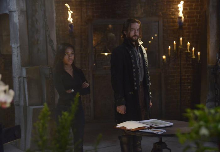 Sleepy Hollowy: Tom Mison e Nicole Beharie nell'episodio This Is War