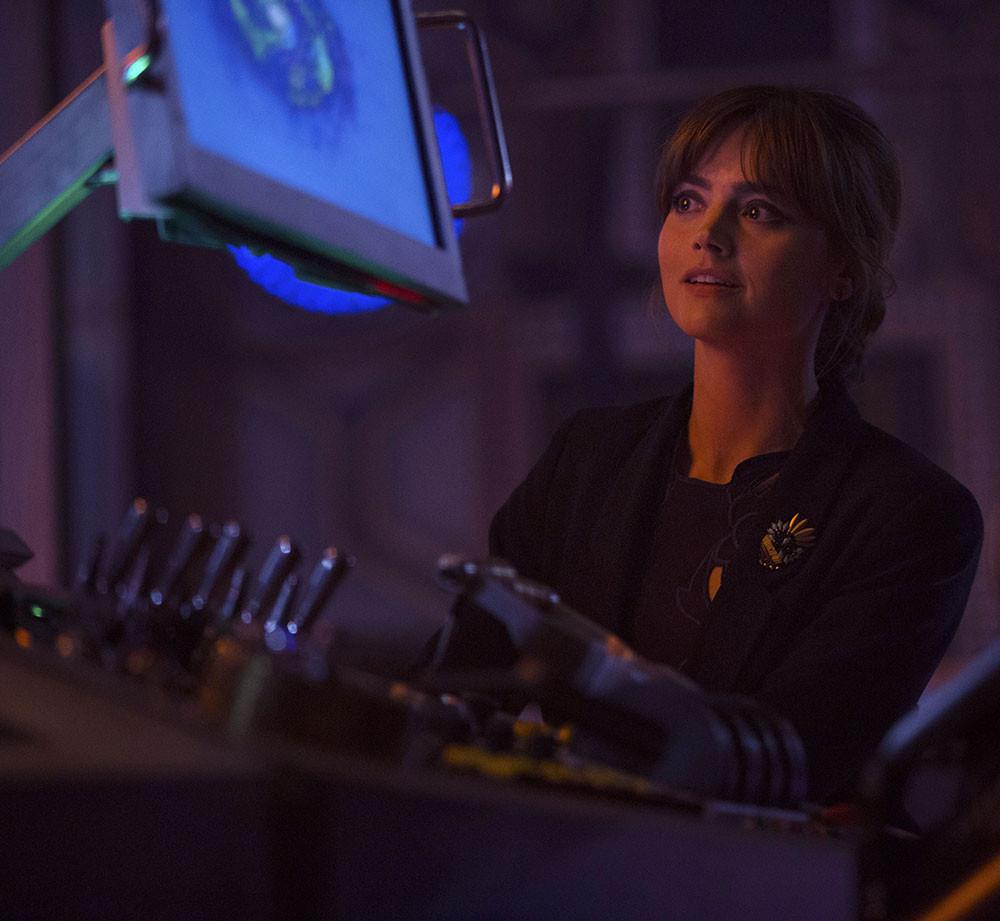 Doctor Who: una scena con Jenna-Louise Coleman nell'episodio Listen