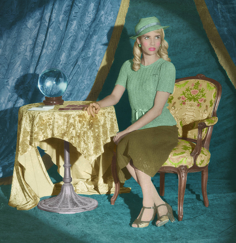 American Horror Story: Emma Roberts in un'immagine promozionale per Freak Show, quarta stagione