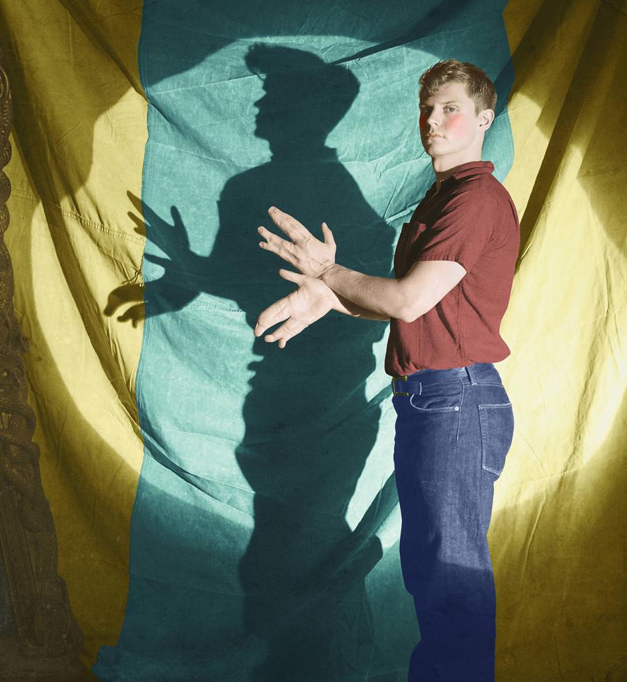 American Horror Story: Egan Peters in un'immagine promozionale per Freak Show, quarta stagione