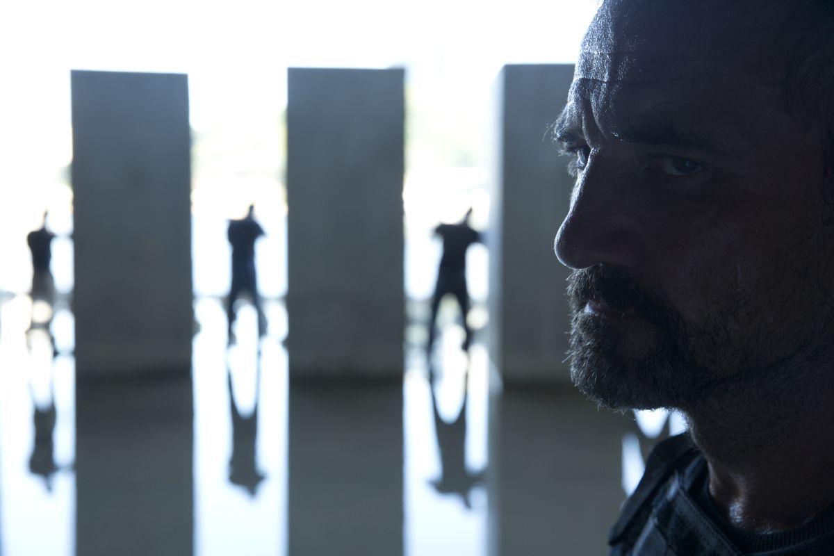 Blackhat: Ritchie Coster in una scena del film
