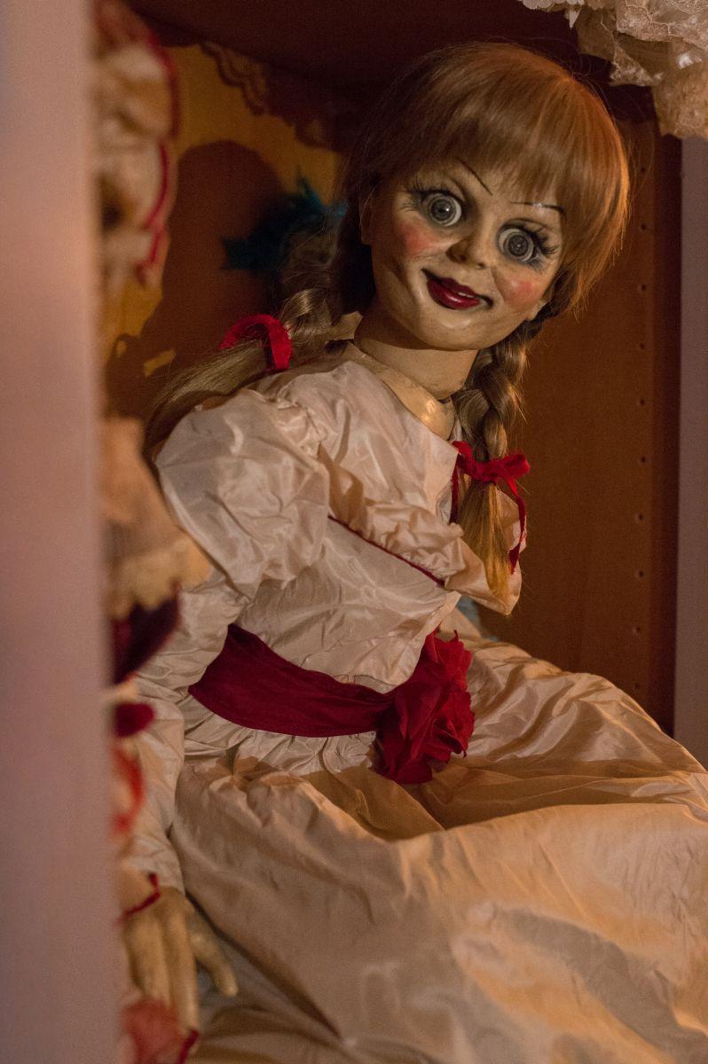 Annabelle: la bambola indemoniata in una scena del film