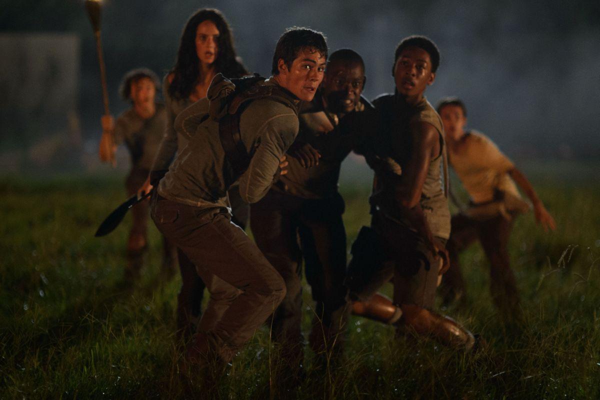 Maze Runner - Il labirinto: Dylan O'Brien con Kaya Scodelario e Aml Ameen in una delle prime foto ufficiali