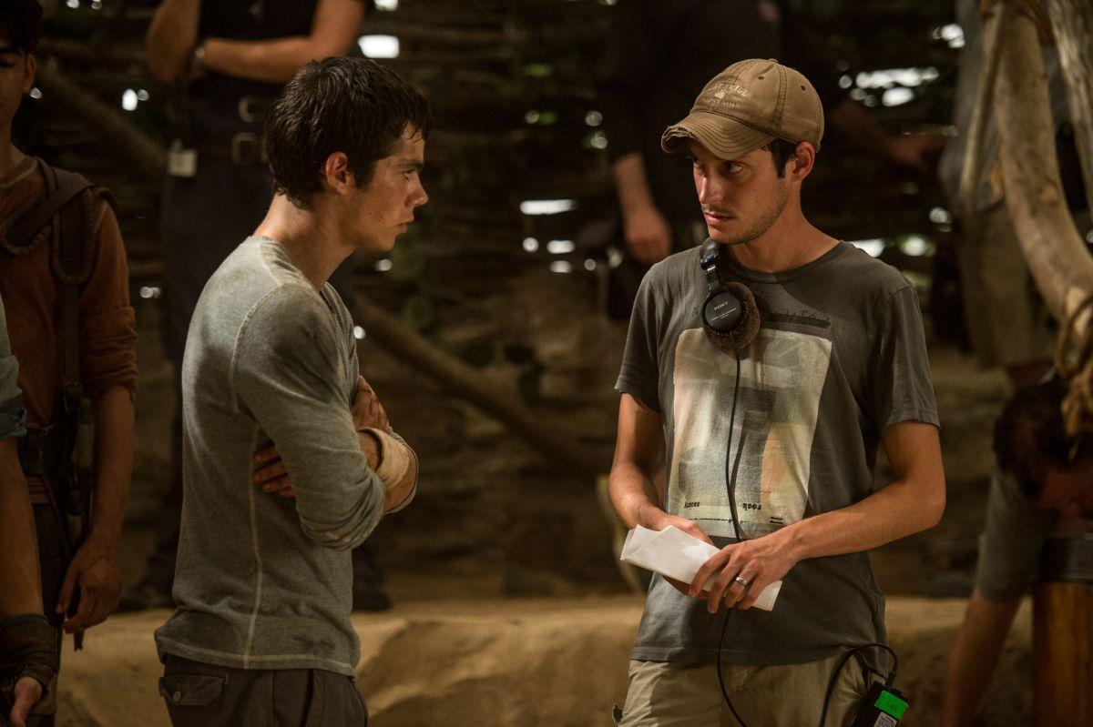 Dylan O'Brien con il regista Wes Ball sul set di Maze Runner - Il labirinto