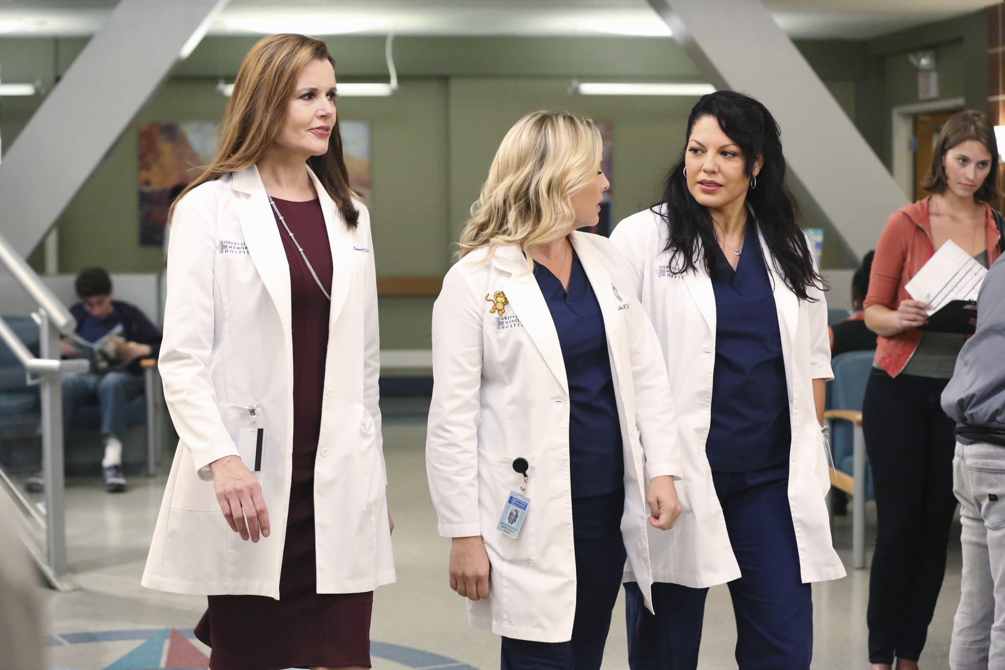 Grey's Anatomy:Geen Davis, Jessica Capshaw e Sara Ramirez nell'episodio I Must Have Lost It on the Wind'