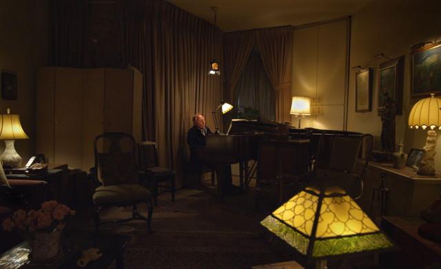 Seymour: An Introduction - Il pianista Seymour Bernstein in una scena del film