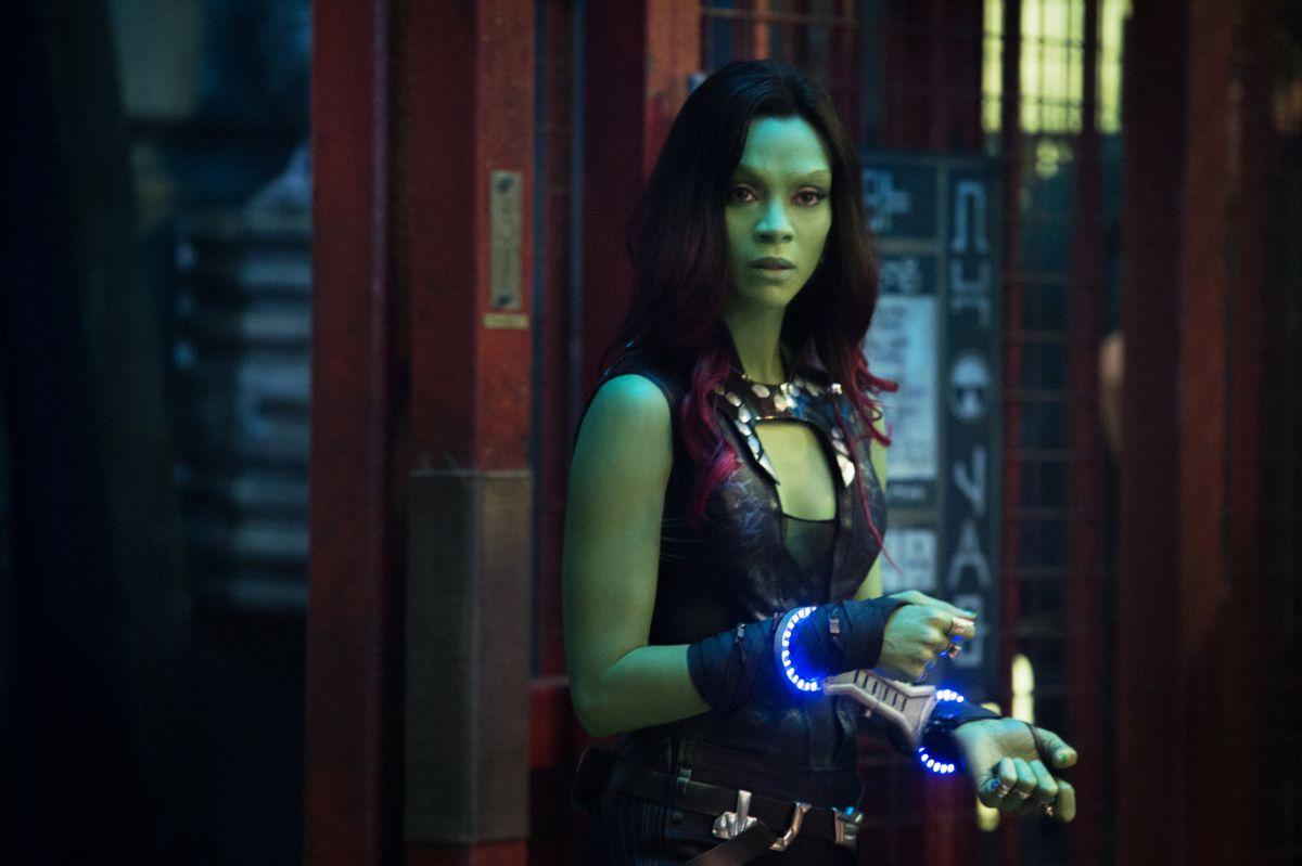 Guardiani della galassia: Zoe Saldana nei panni di Gamora in manette