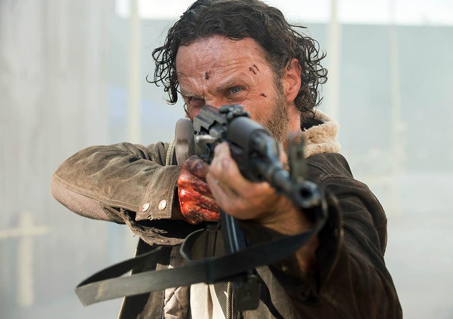 The Walking Dead: una scena con Andrew Lincoln nell'episodio No Sanctuary