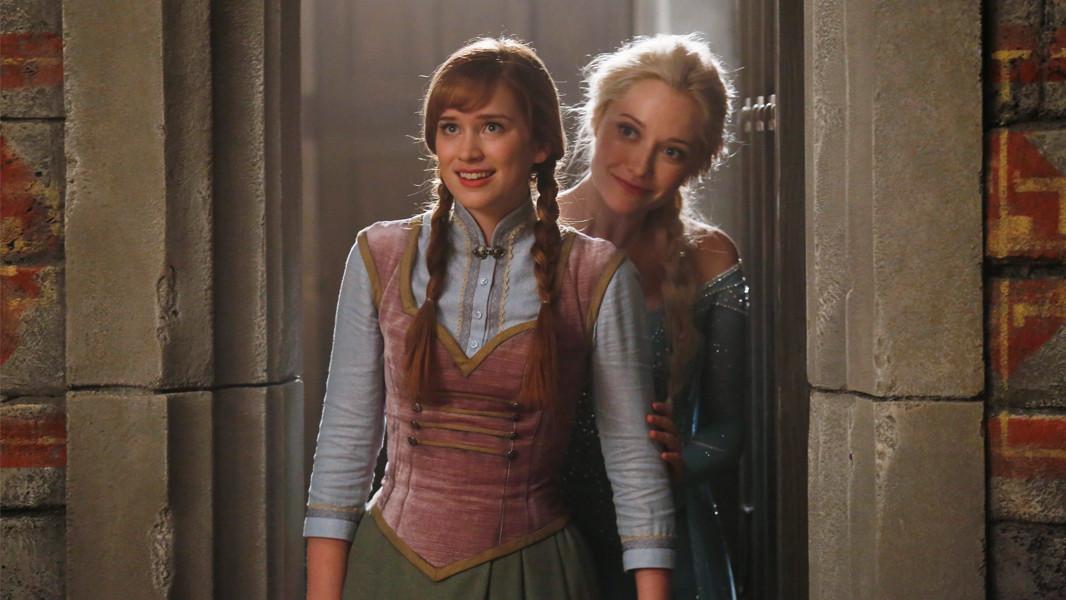 C'era una volta: Georgina Haig con Elizabeth Lail nell'episodio A Tale of Two Sisters