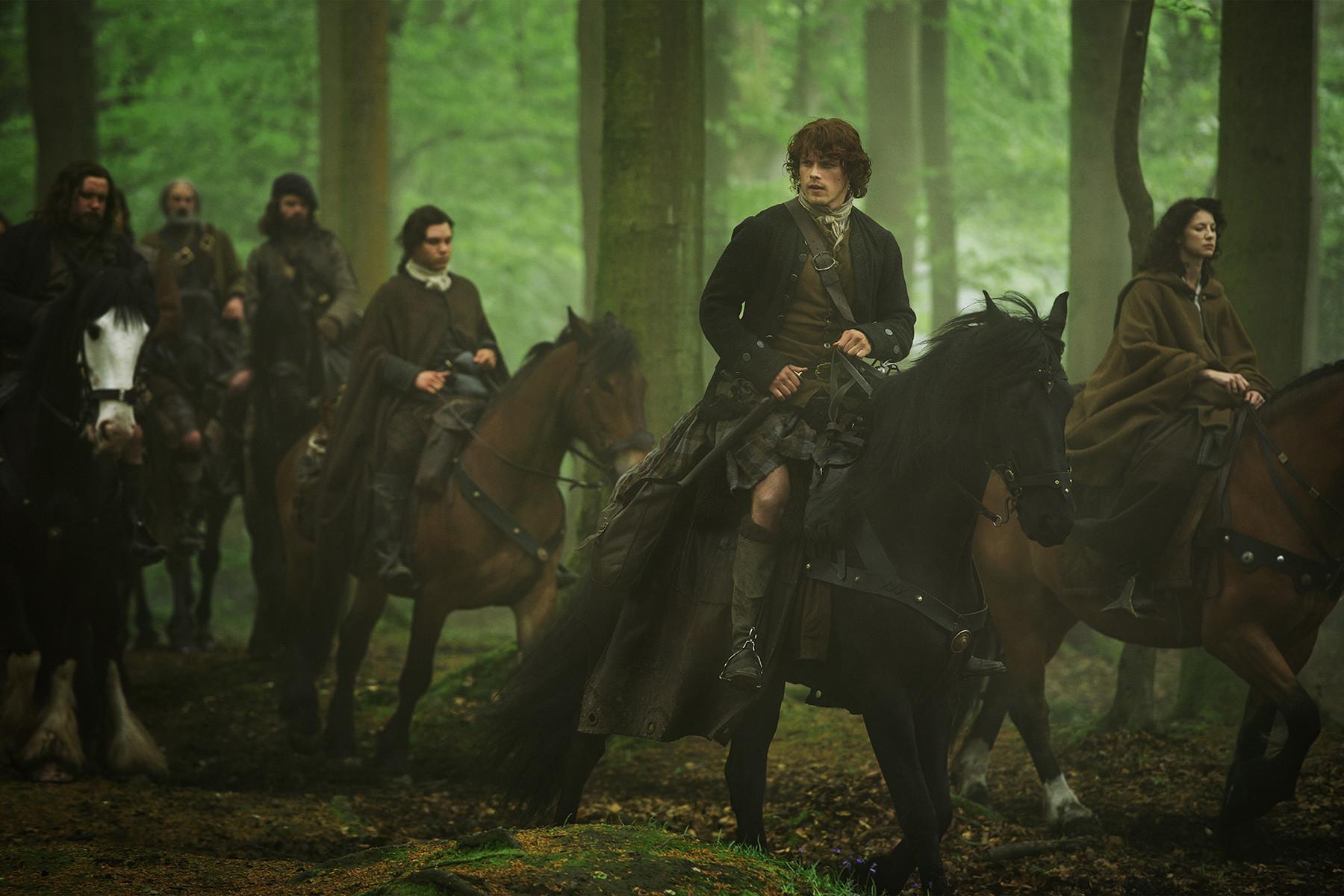 Outlander: Caitriona Balfe e Sam Heughan nell'episodio Both Sides Now