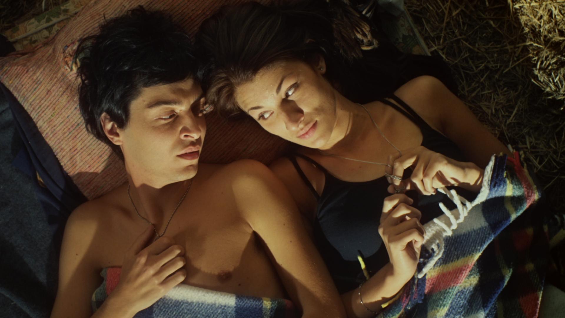 Amoreodio: Francesca Ferrazzo con Michele Degirolamo in una scena del film