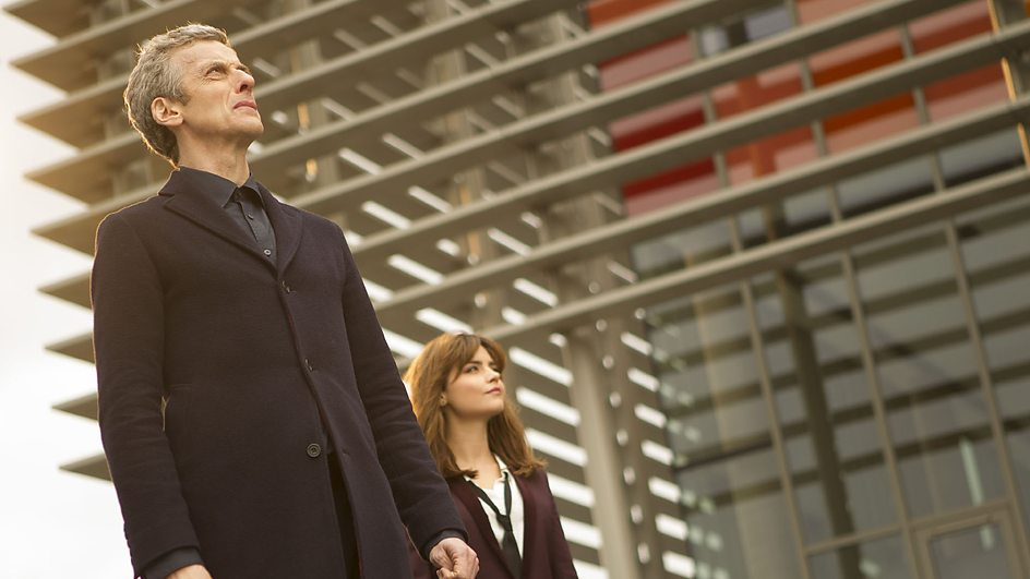 Doctor Who: Jenna-Louise Coleman e Peter Capaldi nell'episodio Time Heist