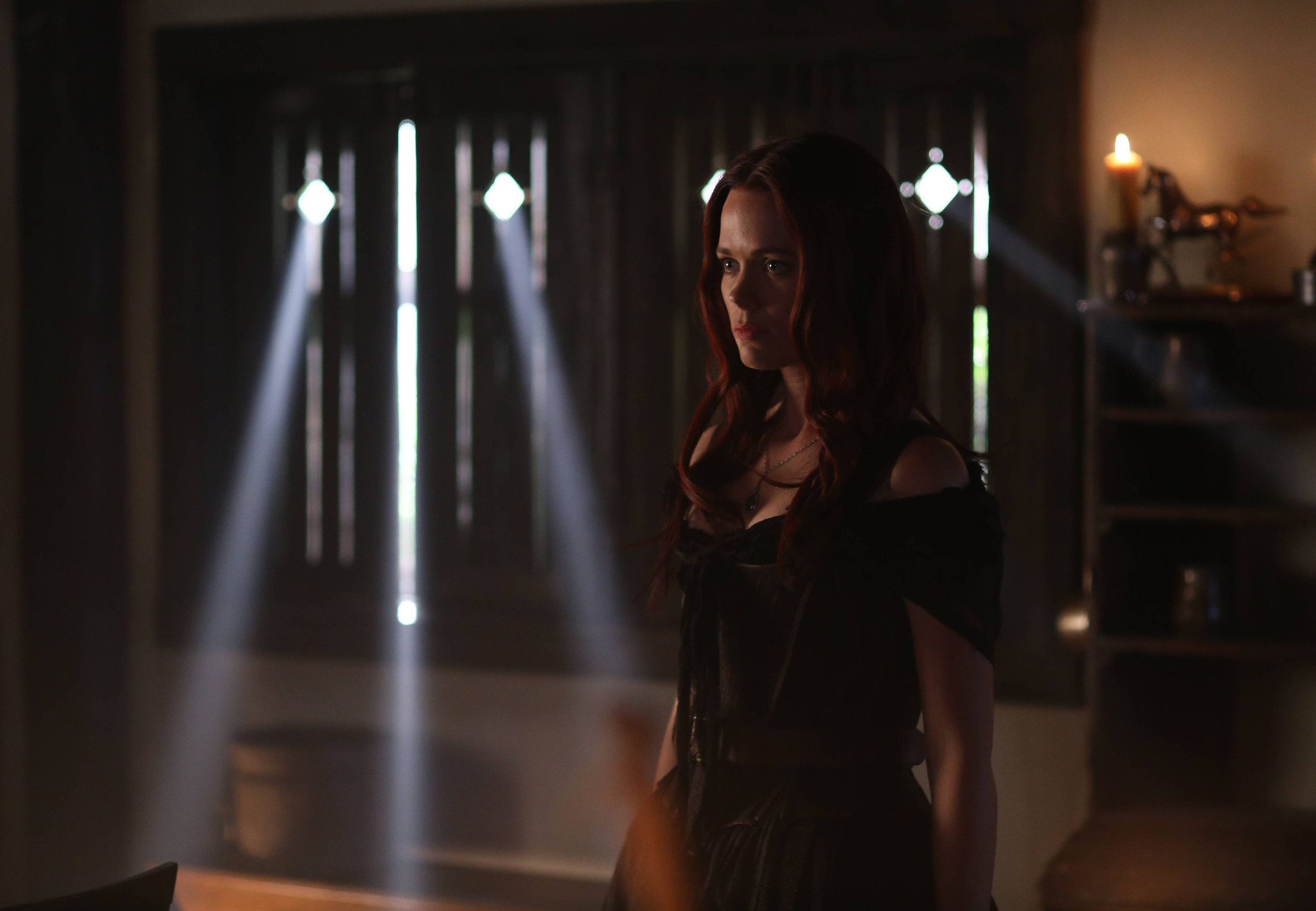 Sleepy Hollow: un'immagine di Katia Winter nell'episodio The Kindred