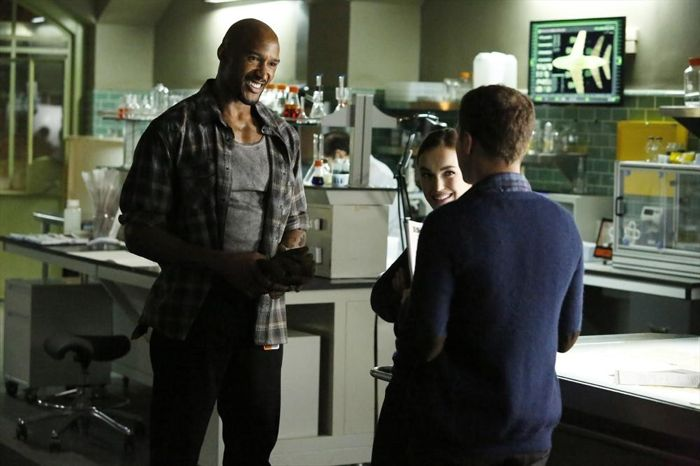 Agents of S.H.I.E.L.D.: Henry Simmons nell'episodio Heavy Is the Head